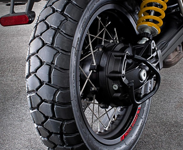 Barra de protección del cardán, negra V85 TT original Moto Guzzi